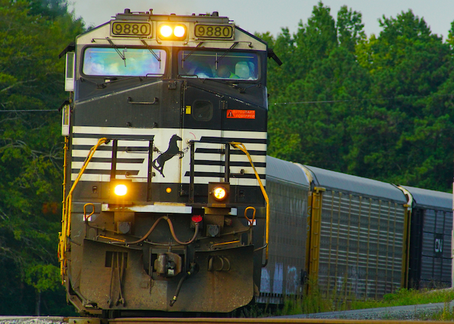Sep0816 NS9880 CarCarry Irondale3
