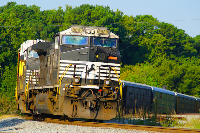 Sep0816 NS9880 CarCarry Irondale1