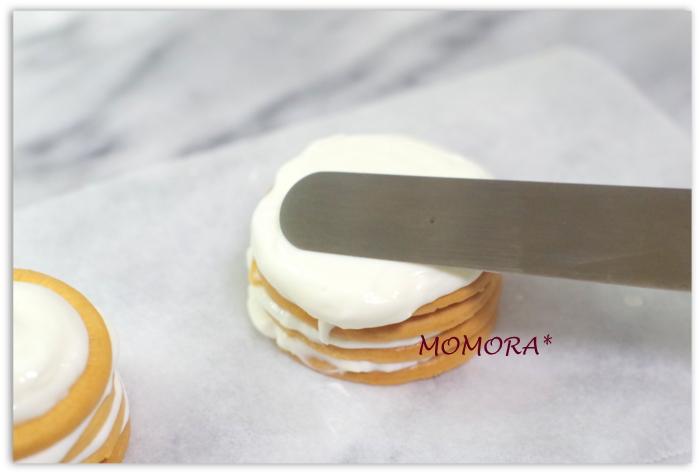 ヨーグルトビスケットケーキ手順 (2)