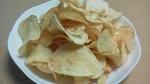 カルビー「ポテトチップス濃い味 サワークリーム&ハラペーニョ風味」