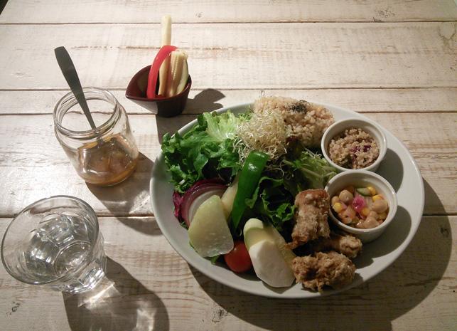 ainsoph-saladlunch.jpg