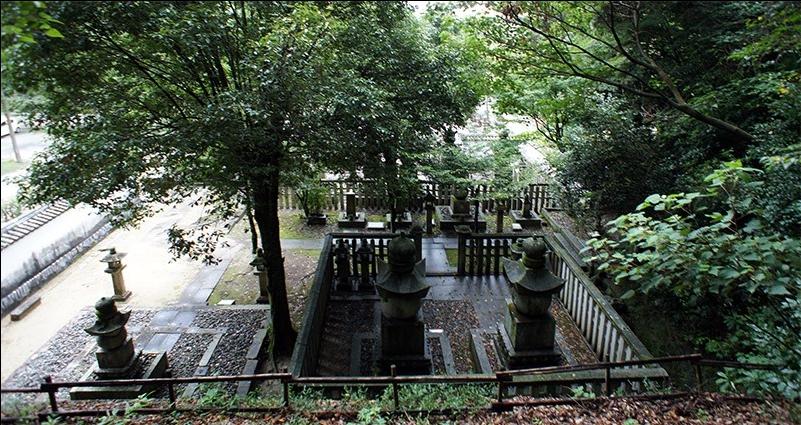 吉川家墓所内
