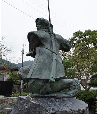 岩国佐々木小次郎像