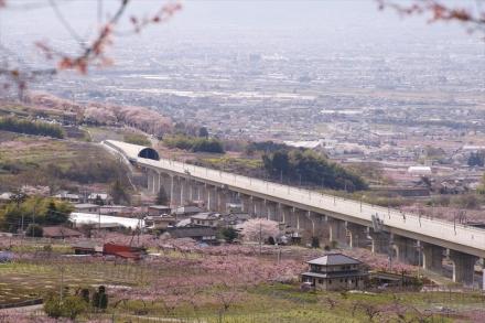 リニアモーターカーが走るところ 桃源郷