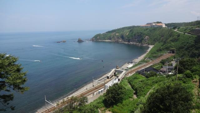 青海川駅と海水浴場