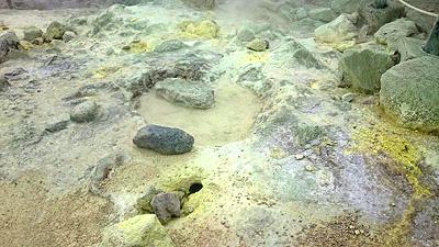 硫黄山噴出ガス2