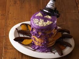 紫いもとホワイトチョコのスパイダーパンケーキタワー