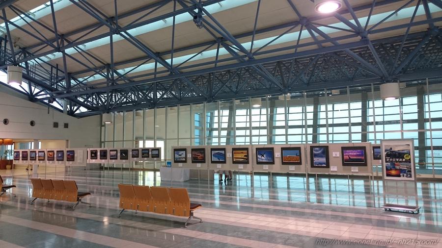 国際線ターミナル4F・写真展会場