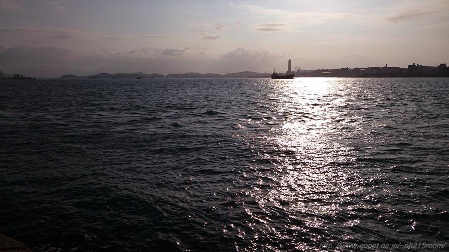 夕方の関門海峡@ノーフォーク広場