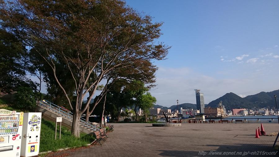 ノーフォーク広場と門司港方面の風景