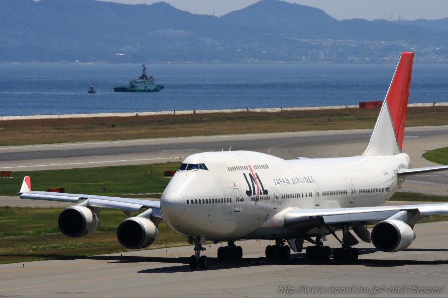 JAL B747-446 / JA8073 @関空展望ホールSky View