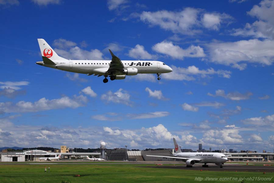 J-AIR ERJ190 / JA241J