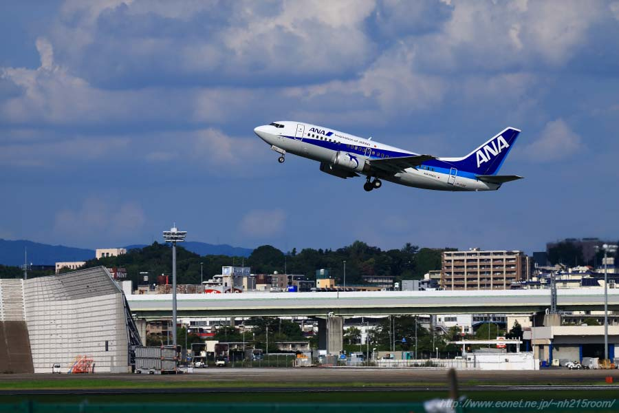ANA WINGS B737-5L9 / JA358K