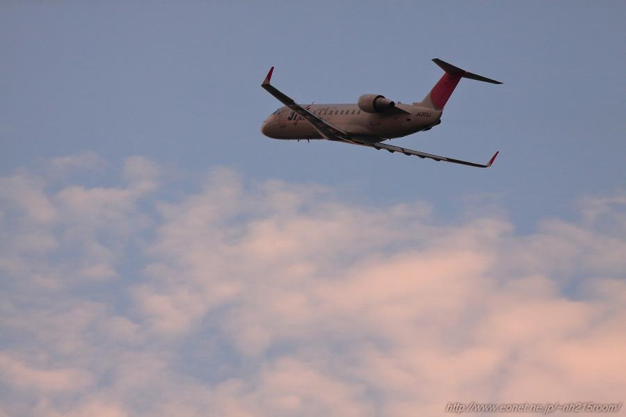 J-AIR CRJ-200ER / JA203J@RWY14Rエンド・伊丹リサイクルセンター周辺