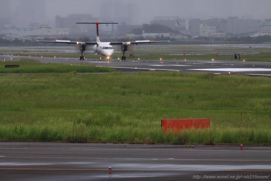 JAC DHC-8-402Q / JA848C@エアフロントオアシス下河原沿道