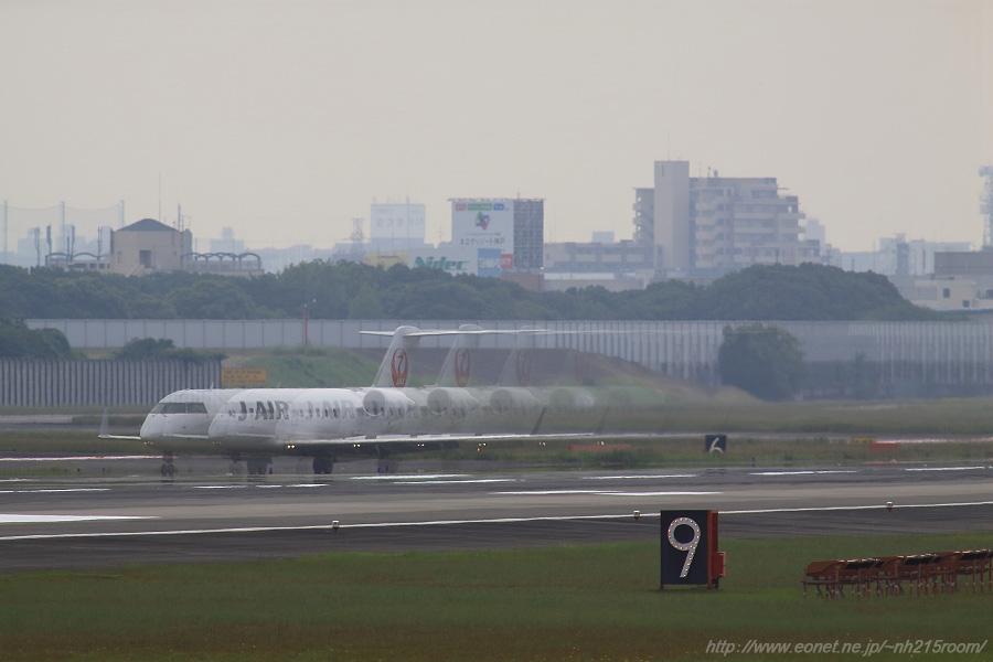 J-AIR CRJ-200ER / JA???J@RWY14Rエンド・猪名川土手