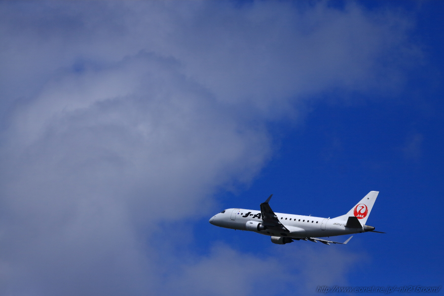 J-AIR ERJ170-STD / JA221J@猪名川土手南
