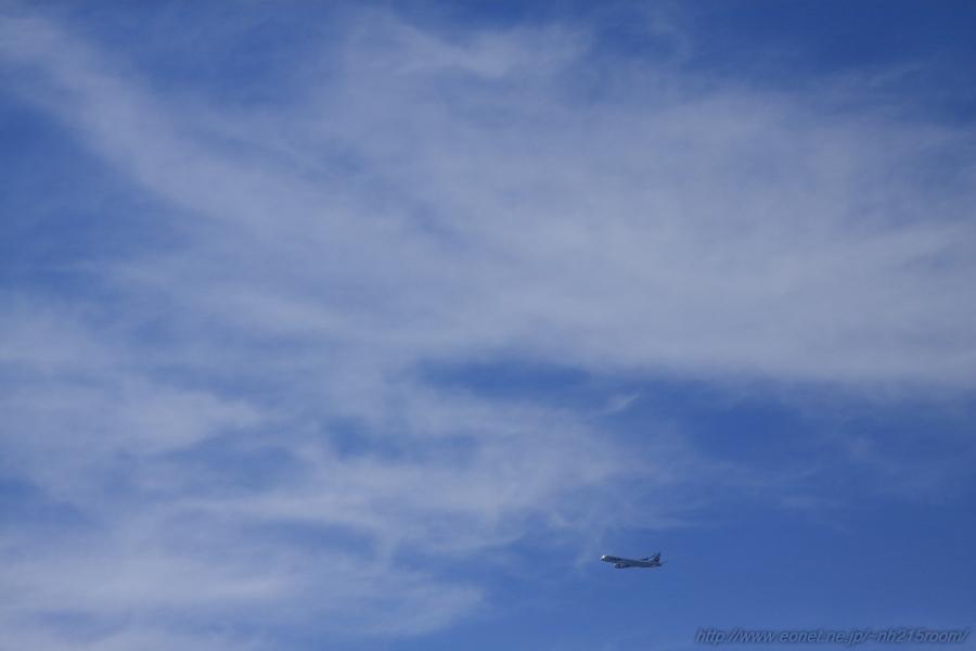 J-AIR ERJ190-STD / JA242J@RWY14Rエンド・伊丹リサイクルセンター周辺