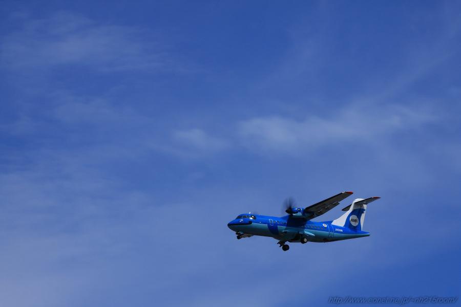 AMX ATR-42 / JA01AM@RWY32Lエンド・千里川土手
