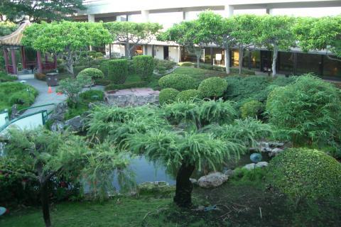 ホノルル国際空港内の庭園