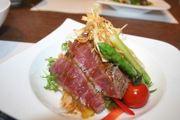 見蘭牛のステーキ