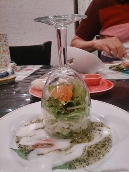 グラスでサラダ