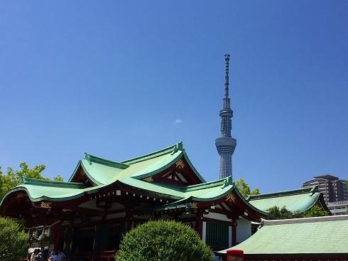 亀戸社殿とスカイツリー