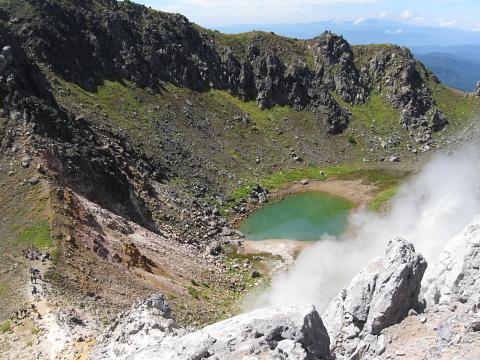 焼岳火口湖