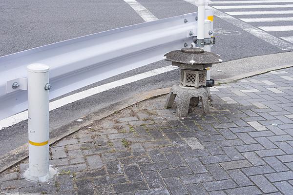 道ばた灯籠