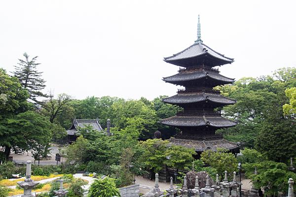 興正寺五重塔