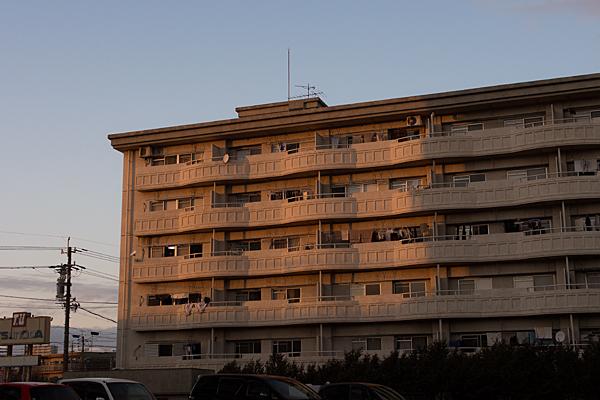 西日と住宅
