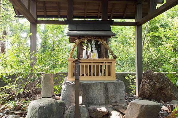 八龍神社のお社