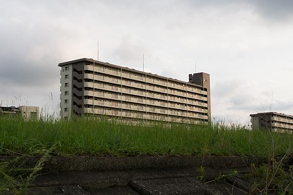 川沿いの住宅
