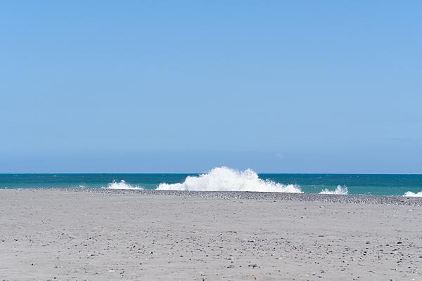 青い海と白波