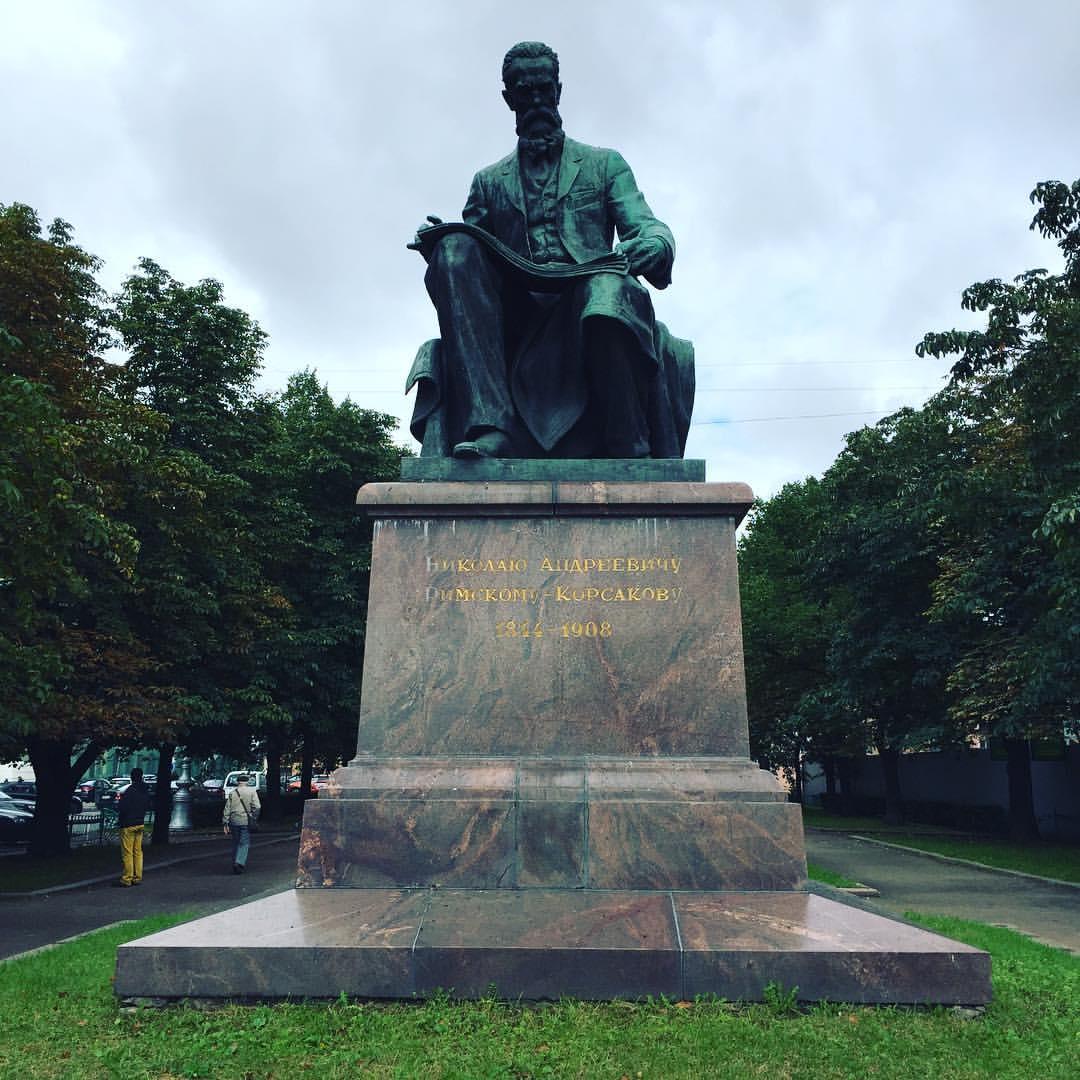 リムスキーコルサコフ銅像