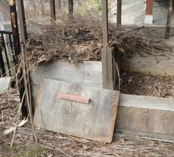 201604 ひどい状態の堆肥箱