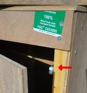 201604 燻製箱作成 扉の固定金具アップ