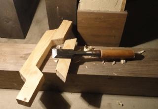201604 燻製箱 取っ手の木材加工 のみでカット