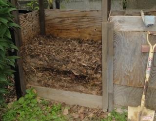 201609 堆肥攪拌作業 作業前 層状