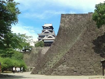 出来る限り早い熊本城復興を願う...
