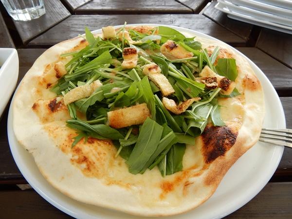 水菜と薄揚げのピザ