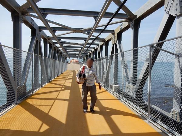 鉄橋でパチリ