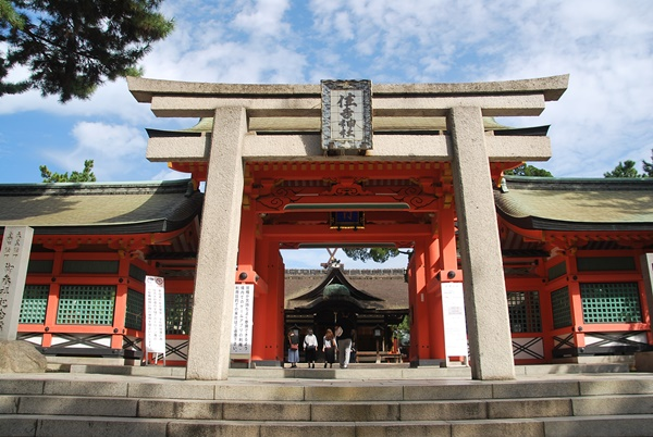 住吉神社(境内ペット禁止)