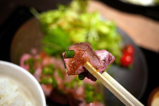 肉十八番食堂