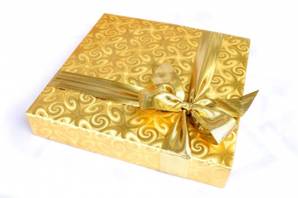 gift-box-present-background-recreation-ribbon-4.jpg