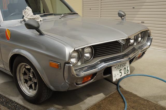 鍍金はメッキ磨き、車体は気になる部分はコンパウンドそして仕上げはワックス