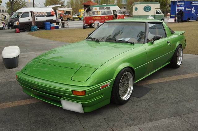 黄緑色のサバンナRX-7
