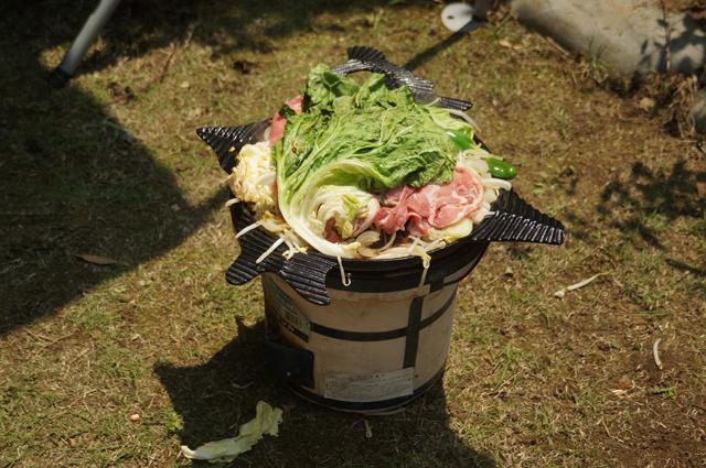 サッポロビール園のジンギスカン鍋とジンギスカンの肉