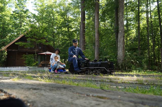 家族で汽車遊び、白馬にて