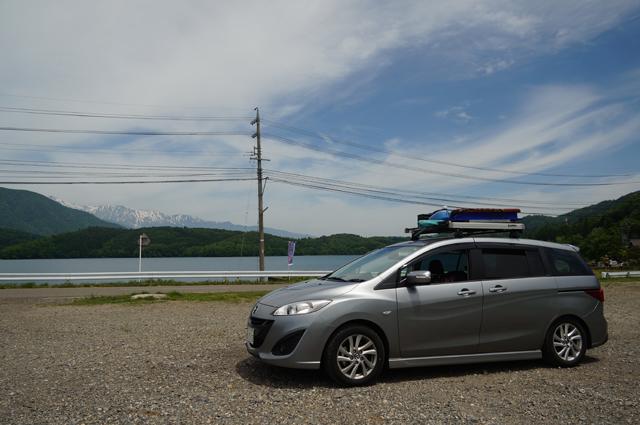 マツダプレマシーと青木湖と日本アルプス
